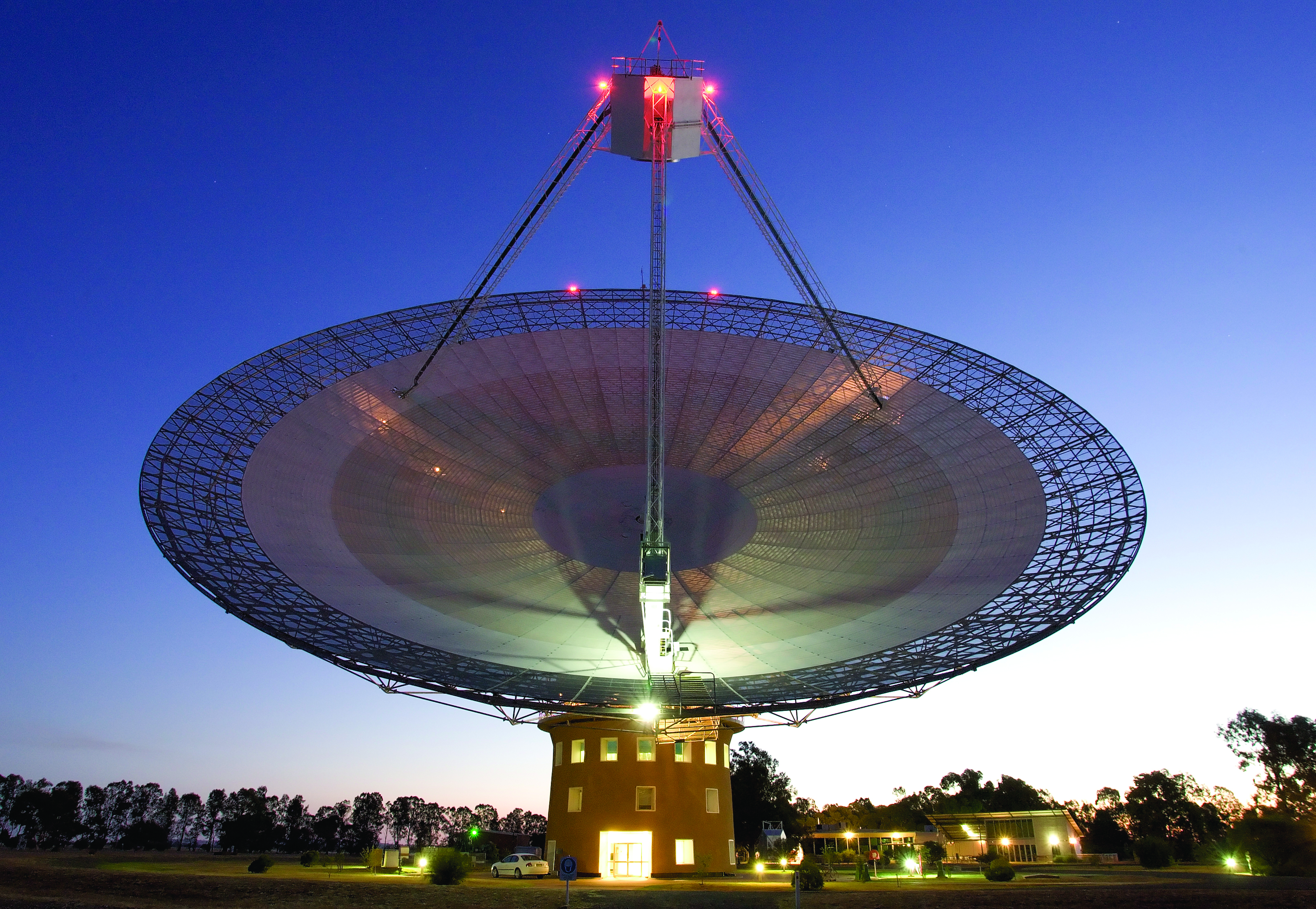The CSIRO Parkes Radiotelescope at Sunset.